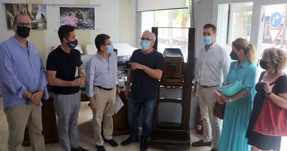 El PP apoya a los fotógrafos almerieneses tras la implantación del nuevo DNI 4.0