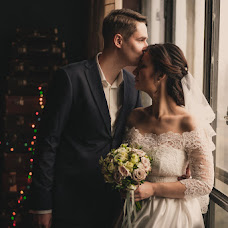 Wedding photographer Polina Rumyanceva (polinahecate2805). Photo of 07.02.2018