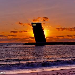 Sunset in Algés by Carlos Cardoso - Landscapes Sunsets & Sunrises ( algés, sunset, beach )