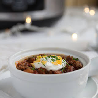 Easy Slow Cooker Beef Chili.