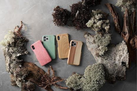 Mobilskal till iPhone 8 av svenskt hyggefritt trä, natur eller färg