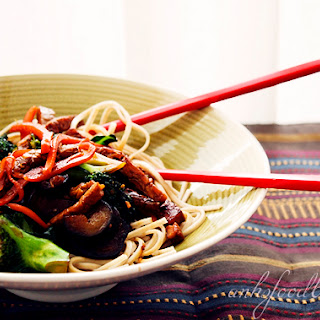 Spicy Stir-fry Whole-wheat Noodles With Tempeh And Vegetables.