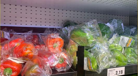Las cooperativas almerienses no podrán vender frutas y hortalizas en plástico