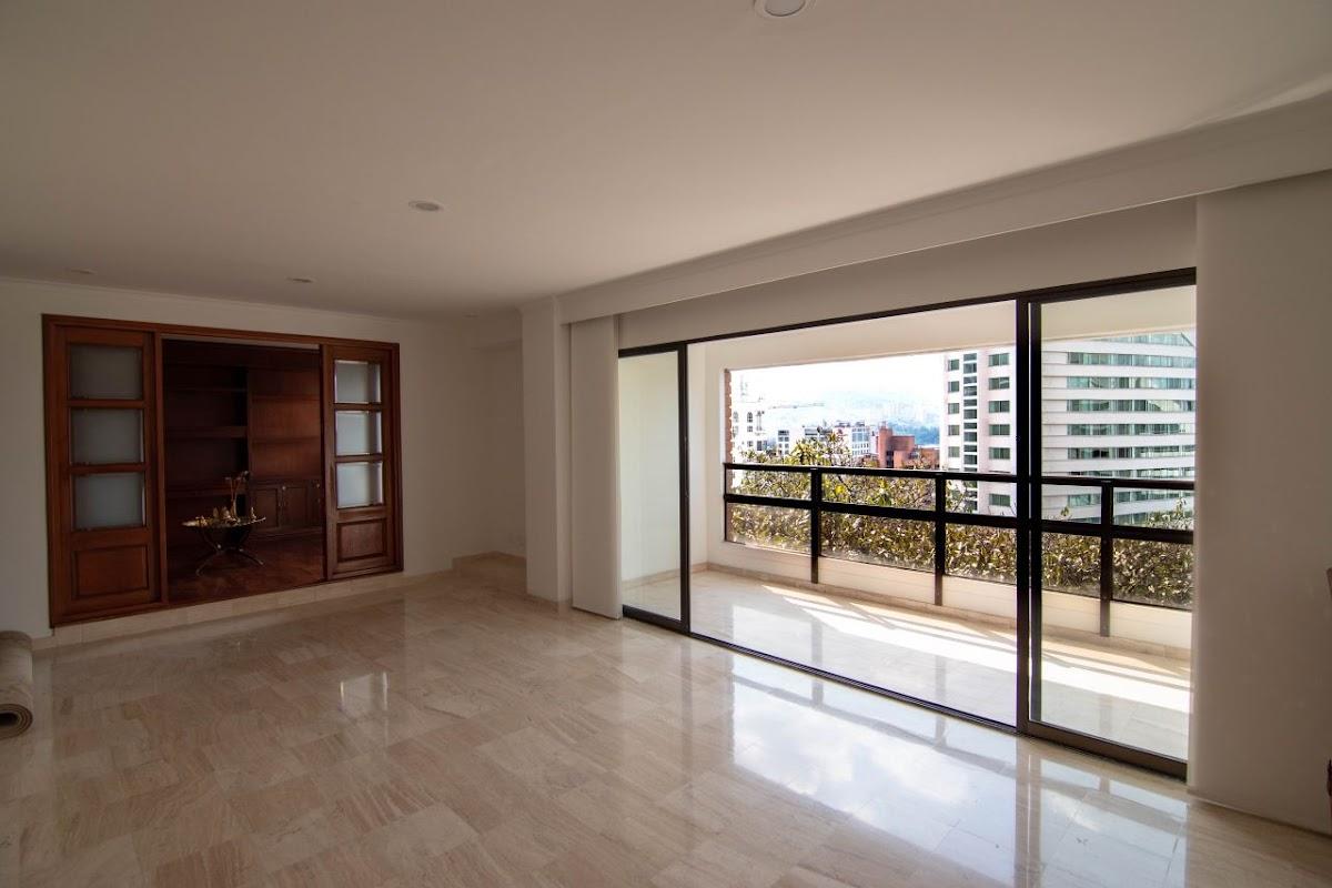apartamento en venta poblado 585-23808