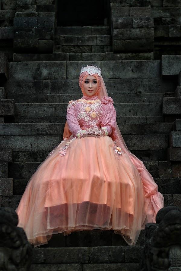 Queen of the Day by Mardi Tri Junaedi - Wedding Bride ( #temple, #beautifull, #queen )