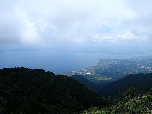 雲が晴れ琵琶湖の展望