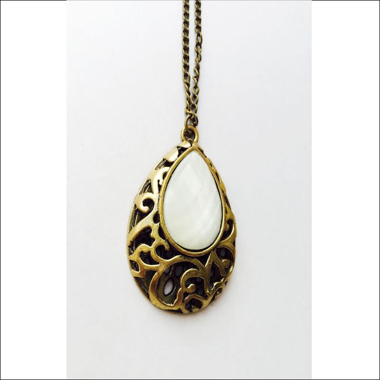 N019 - G. Secret Teardrop bottle Necklace
