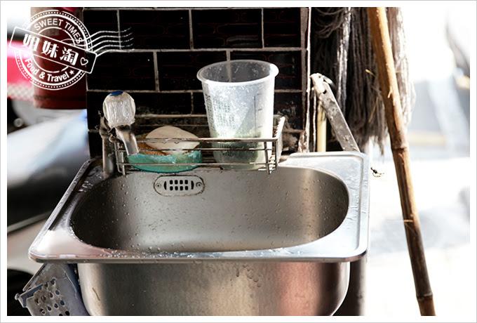 東坡鮮肉飯洗手台