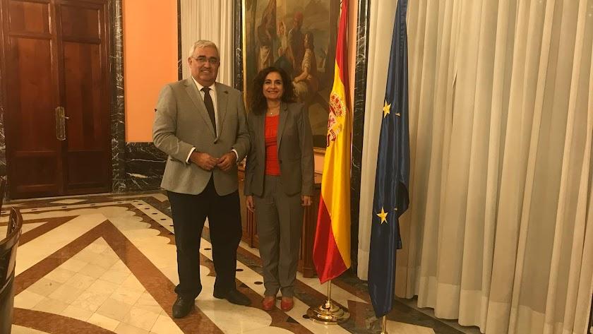 Reunión en Madrid del consejero y la ministra de Hacienda.