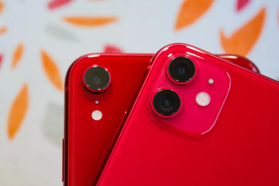 iPhone 11 and iPhone XR Cameras