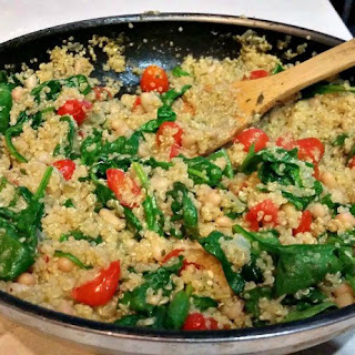 Tomato-Basil Quinoa with Spinach and White Beans