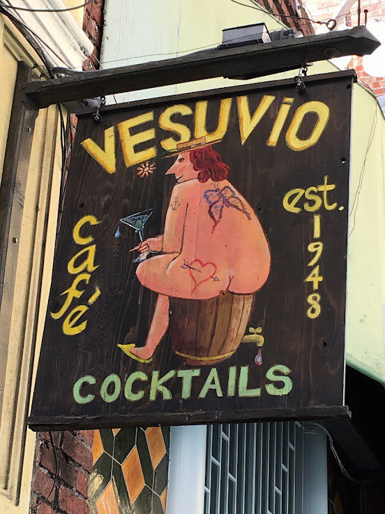The crass logo for Vesuvio.