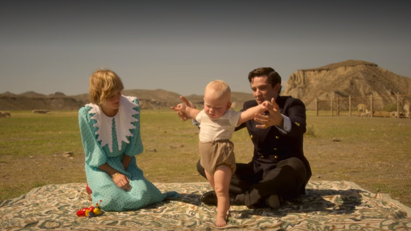 Emma Corrin (Lady Di) y Josh O'Connor (Carlos de Inglaterra) en una Nueva Zelanda recreada en el Llano del Búho de Tabernas para Netflix.