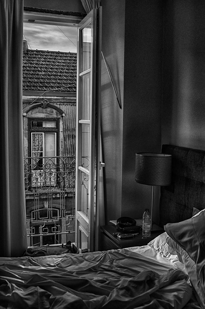 FRONT WINDOW di Irene Vallerotonda