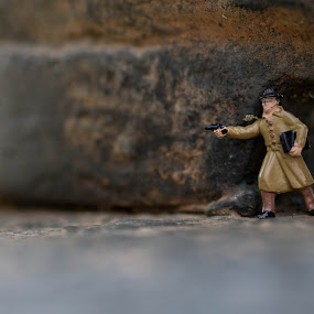 shootout by S Stoye - Artistic Objects Toys