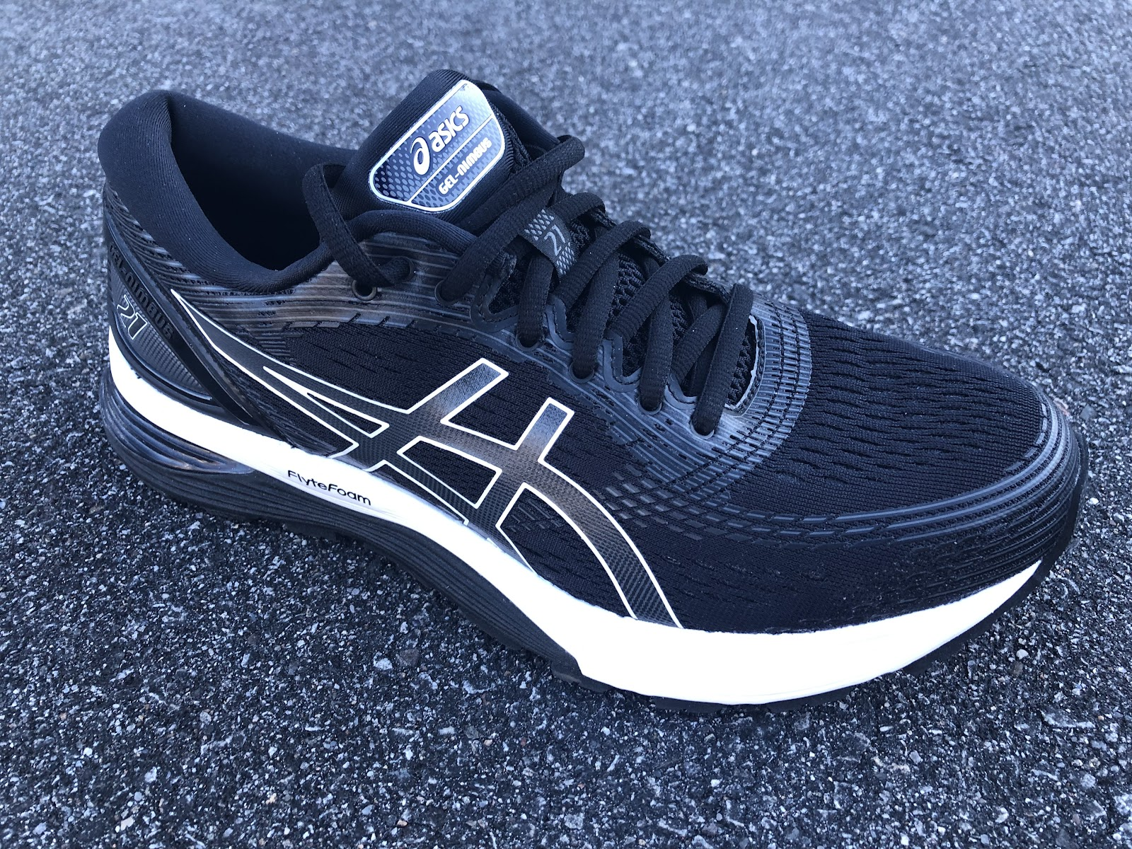 5cf55aaeaba Jeff: ASICS has a certain aesthetic they are going for, and they definitely  hit it with the Nimbus 21. If you are familiar with running shoes, ...