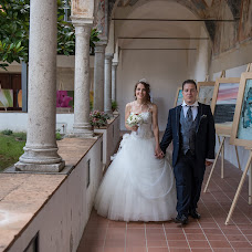 Wedding photographer Luciano Cascelli (Lucio82). Photo of 16.01.2017