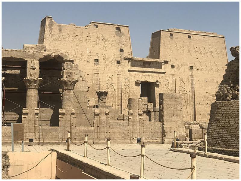 Edfu temple 2