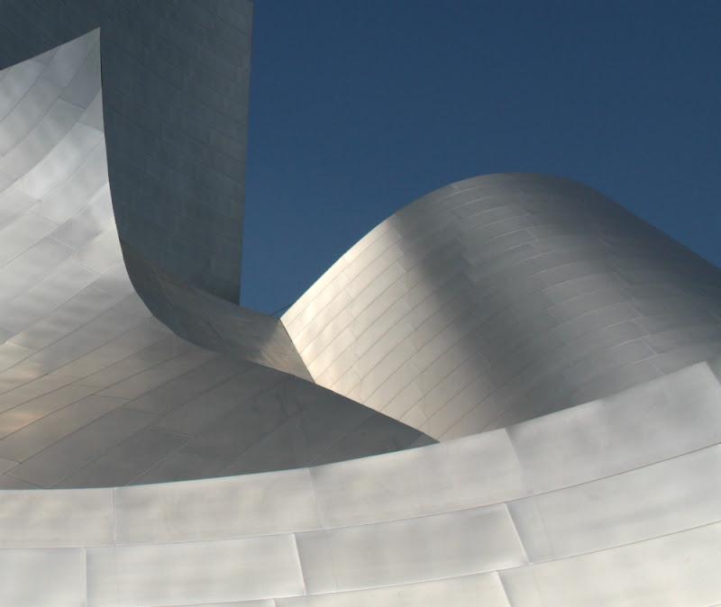 Frank Gehry W,Disney Concert Hall di kaira