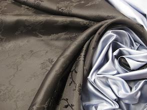 Photo: Ткань:Жаккард натуральный шелк ш.145см. цена 2500руб. Ткань : Атлас шелк +шерсть ш.140см. цена 3000руб.