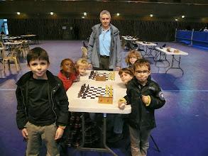 Photo: des élèves de l'école Anatole France Lyon 3ème avec leur animateur Alain