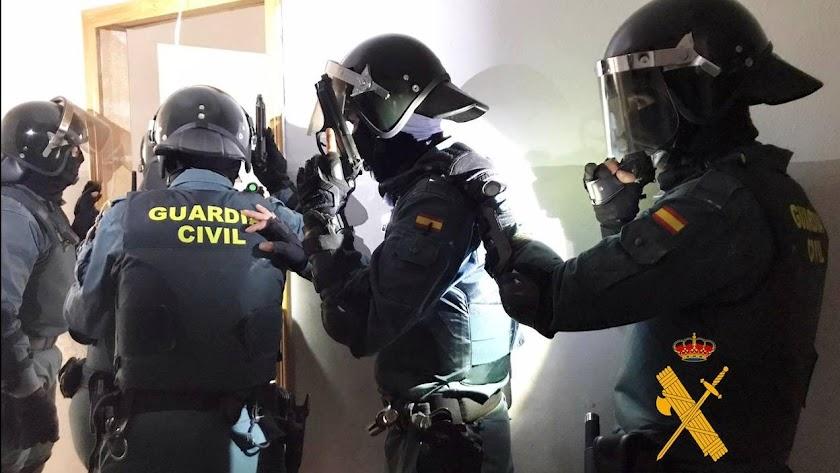La Guardia Civil ha logrado detener a los dos ladrones.