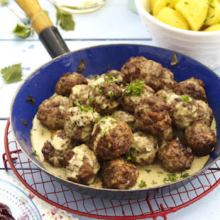 Köttbullar (Swedish Meatballs)