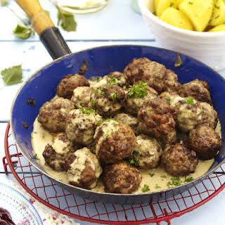 Köttbullar (Swedish Meatballs).