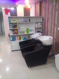 Z R Unisex Salon photo 2