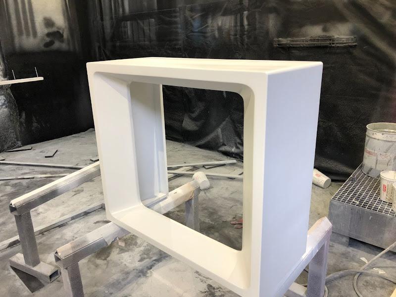 Touche pas à mon poste - 3D meubilair - polyurea coating op piepschuim en hout