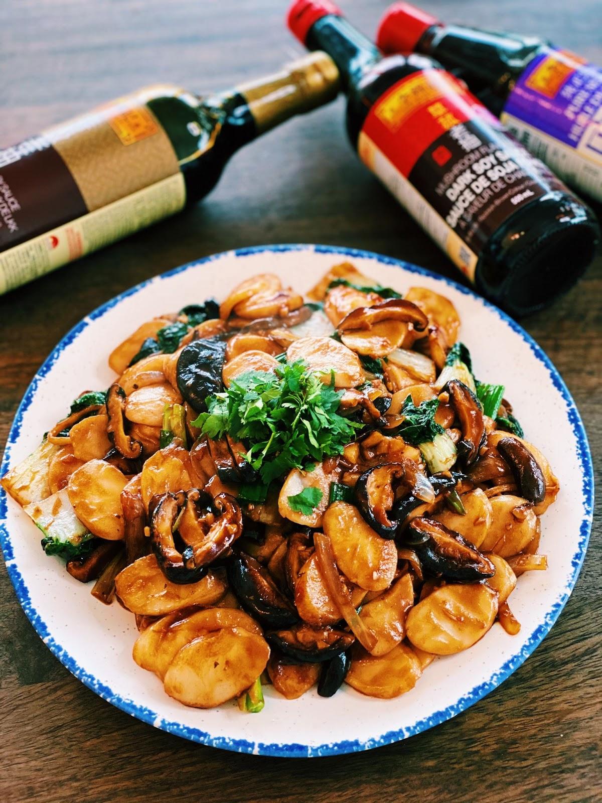 Shanghai Stir-fried Rice Cakes