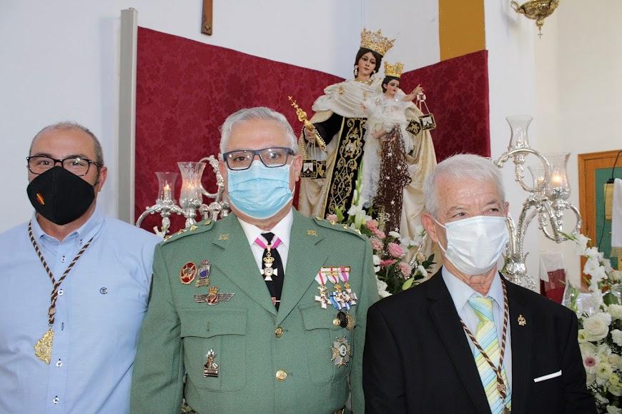 El coronel Úbeda, de la Brigada de La Legión; y el hermano mayor, Gabriel Ferre.