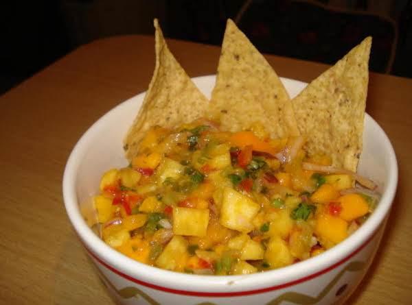 Spicy Tamarind Fruit Salsa (salsa De Tamarindo Con Mango Y Pina)