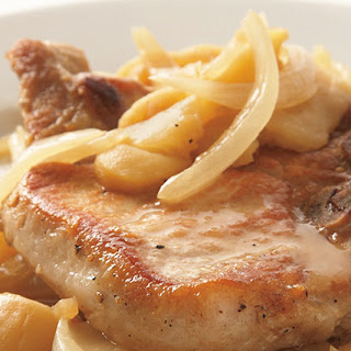 Skillet Pork Chops with Apples