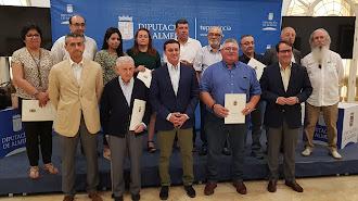 Representantes de asociaciones junto a los responsables de Diputación tras la entrega de subvenciones.