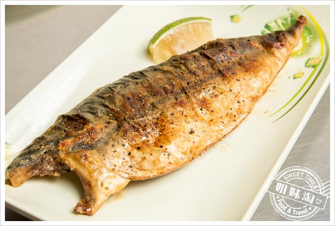 冠滋平價鐵板燒鯖魚