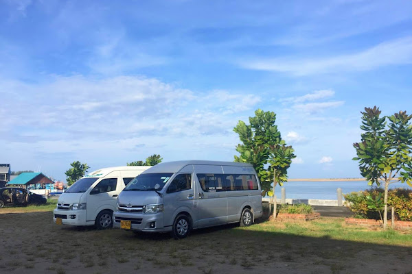 Pickup service by minivan in air-conditioned comfort