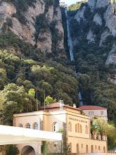 Photo: Transporte que nos lleva desde la montaña de Montserrat a la Santa Cueva.