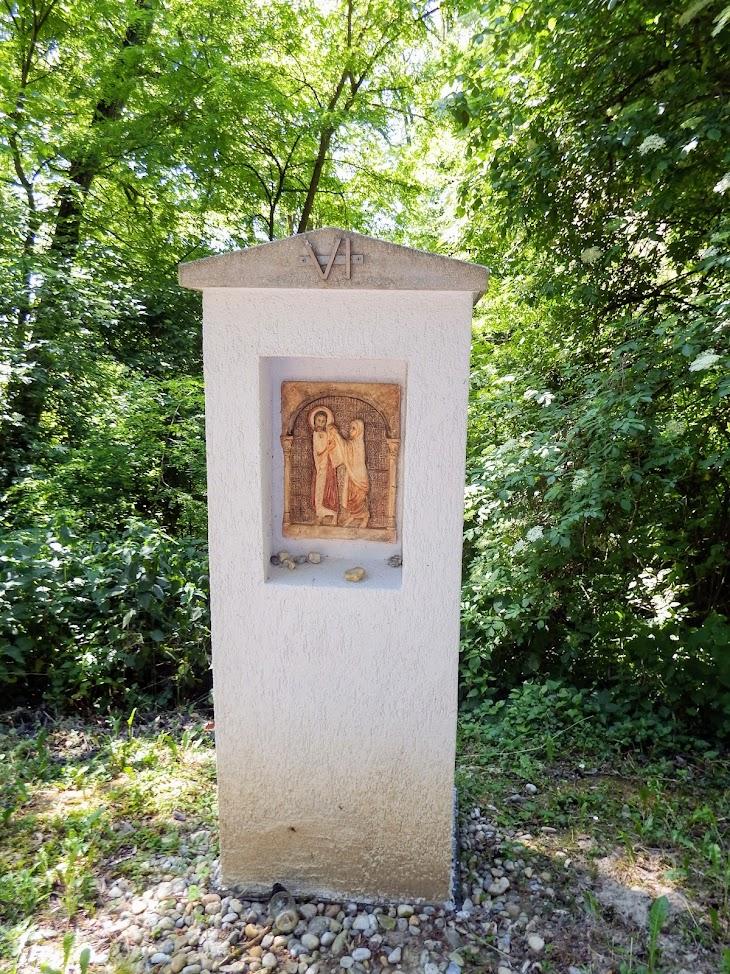 Homokkomárom - Keresztút a kegytemplom kertjében