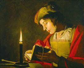 """Photo: Matthias Stom, """"Ritratto di uomo che legge a lume di candela"""""""