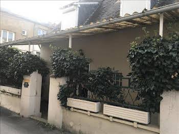 Maison 11 pièces 145 m2