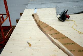 Photo: 08-11-2012 © ervanofoto Het dampscherm wordt aangebracht.