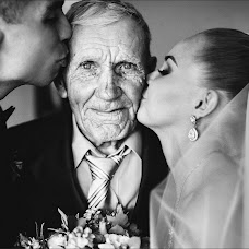 Wedding photographer Kristina Tararina (ta-kris). Photo of 10.08.2015
