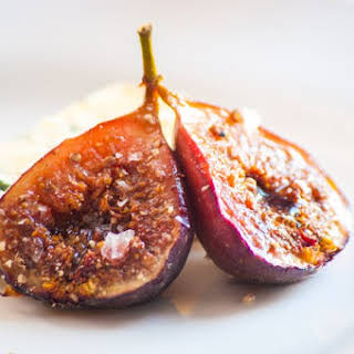 Baked Figs With Balsamic.