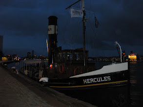 Photo: 2015 Afgemeerd, met gezelschap aan boord, om naar het vuurwerk te kijken tijdens de Wereldhavendagen Rotterdam