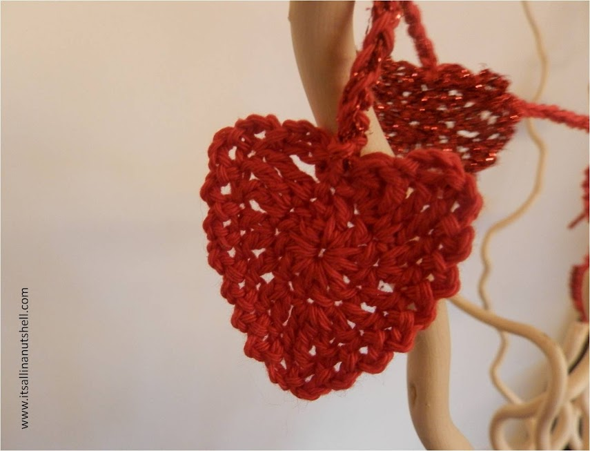 Be My Valentine Heart Garland – Free Crochet Pattern – It\'s all in a ...