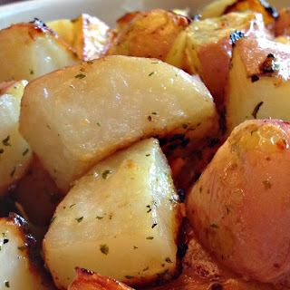 Perfect Garlic Roasted Potatoes