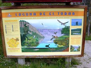 Photo: Cartel informativo de la laguna de El Tobar
