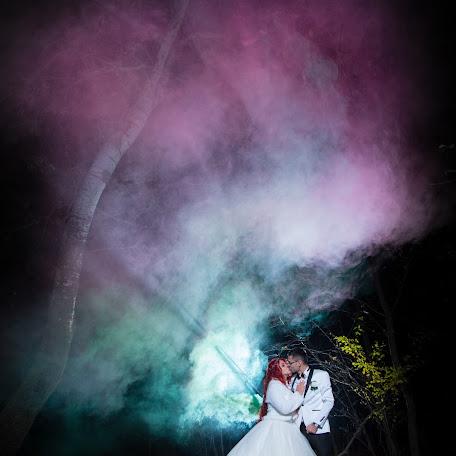Wedding photographer Laurentiu-Gabriel Fratila (Uniqevent). Photo of 17.02.2018