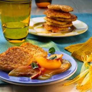 Milchreis-Puffer mit Nektarinen-Orangen-Kompott